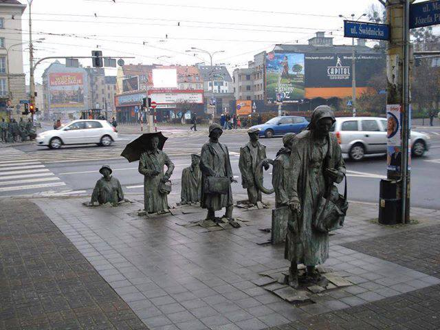 Underground passage memorial in Wroclaw  Poland (640x480, 56Kb)