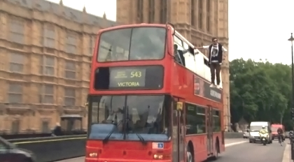 Британец в воздухе (420x232, 70Kb)