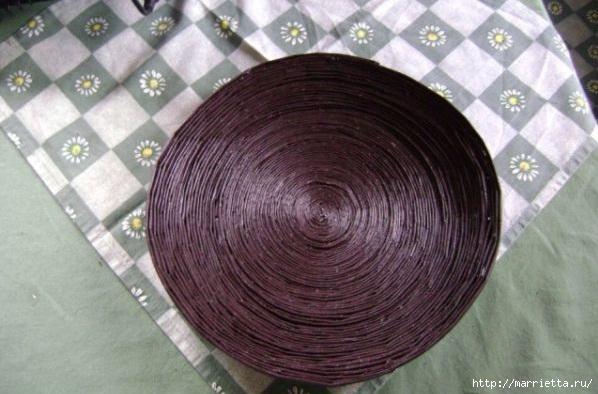 Плетение из газет. Поделки из колечек и тарелка из трубочек (11) (598x394, 143Kb)