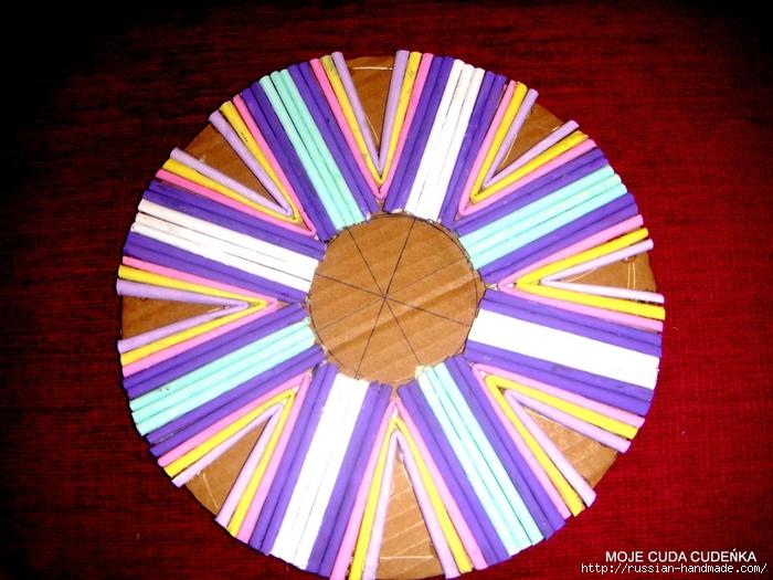 Плетение из газет. Способ создания красивой крышки для корзинки (20) (700x525, 319Kb)