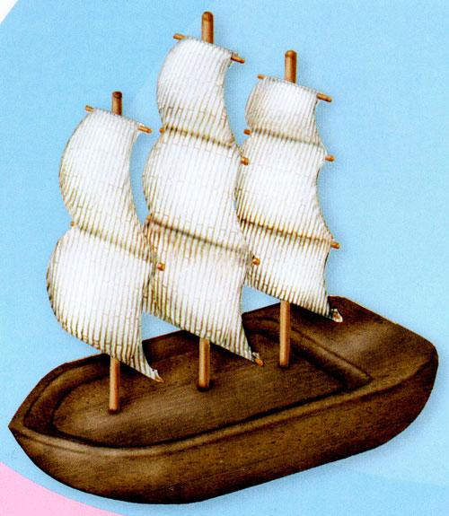 Маленький кораблик из дерева