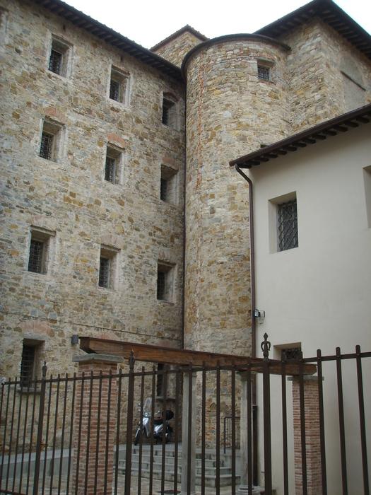 1024px-Santa_maria_degli_innocenti,_interno_01 (525x700, 226Kb)