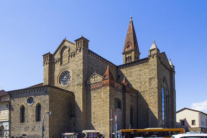 768px-Chiesa_delle_montalve,_crocifisso_duecentesco_con_aggiunte_seicentesche_02 (700x466, 139Kb)