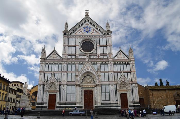 768px-Chiesa_delle_montalve,_crocifisso_duecentesco_con_aggiunte_seicentesche_02 (700x463, 255Kb)