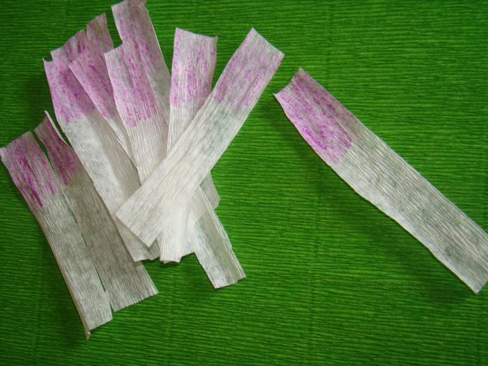 Фрезия из гофрированной бумаги. Фото мастер-класс (6) (700x525, 305Kb)