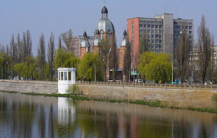 vinnica-gorod-park-i-ukrashenie-podolskogo-kraya (700x445, 70Kb)