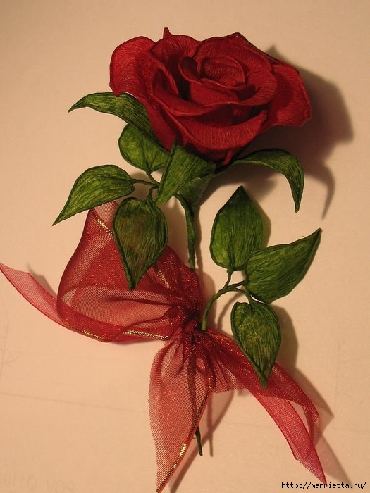 Очень красивые розы из гофрированной бумаги (23) (525x700, 230Kb)