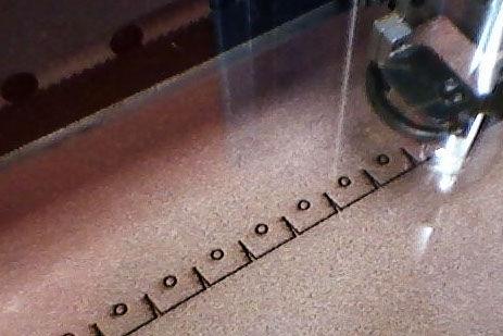 Как сшить сумочку из натуральной кожи. Фото мастер-класс и шаблон (2) (463x309, 87Kb)