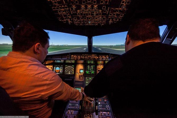 Как учатся на пилота большого реактивного самолета