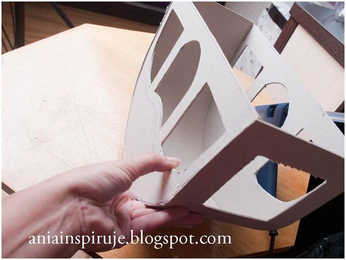 Сказочная карета из картона, проволоки и палочек от мороженого. Мастер-класс (16) (700x526, 203Kb)