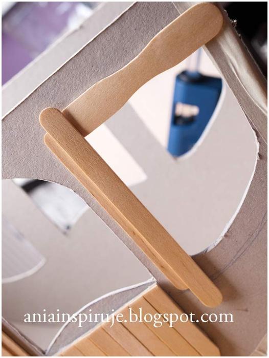 Сказочная карета из картона, проволоки и палочек от мороженого. Мастер-класс (26) (526x700, 205Kb)