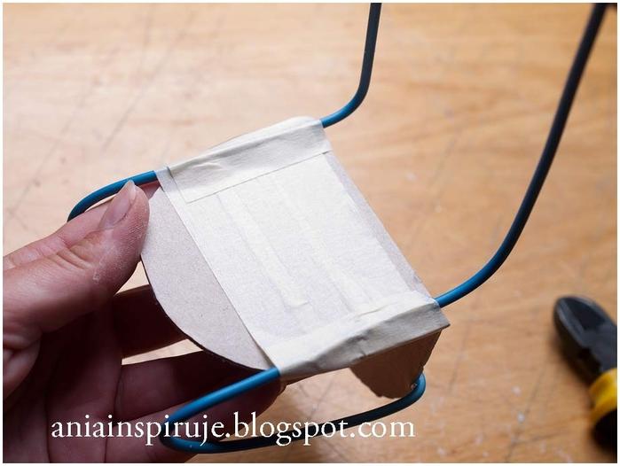 Сказочная карета из картона, проволоки и палочек от мороженого. Мастер-класс (39) (700x526, 189Kb)