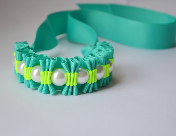 Как можно сделать браслеты из ленточки