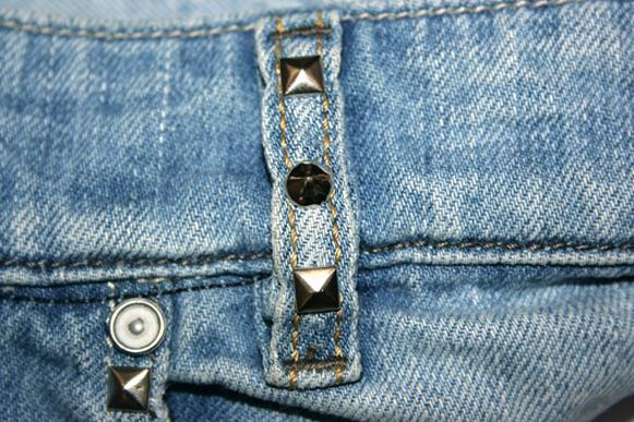 шорты из джинсов, переделка и украшение (4) (581x387, 610Kb)