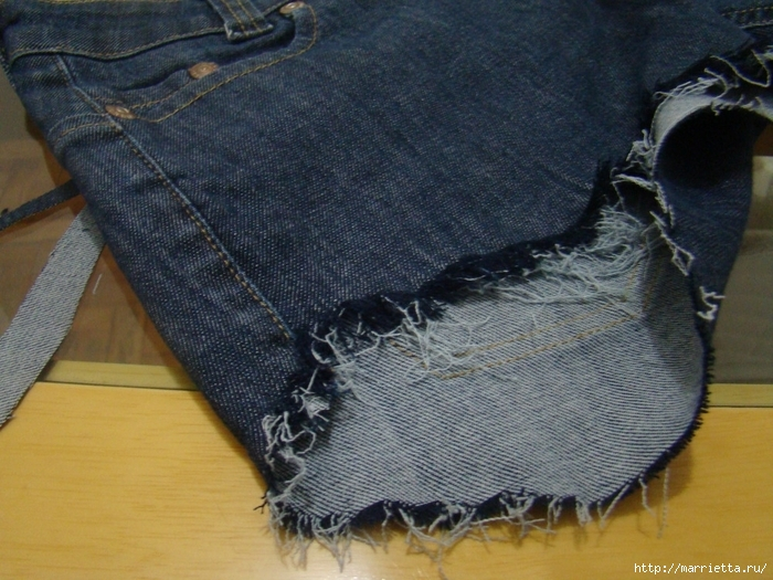 шорты из джинсов, переделка и украшение (17) (700x525, 315Kb)
