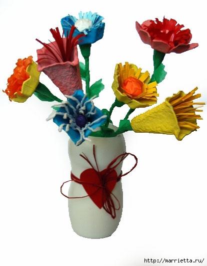 Как сделать цветы из яичных лотков. Много идей (47) (414x531, 94Kb)