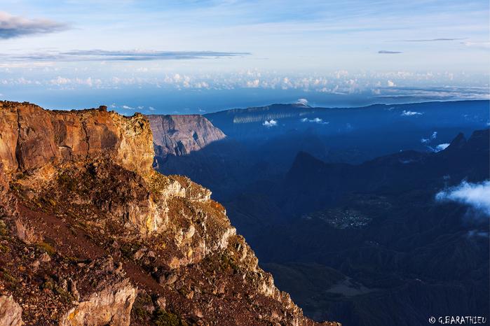 остров Реюньон фото 1 (700x466, 480Kb)