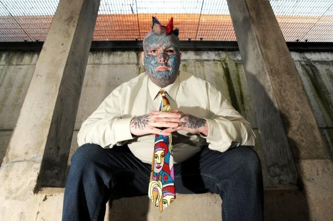 самый татуированный человек в мире (680x452, 179Kb)