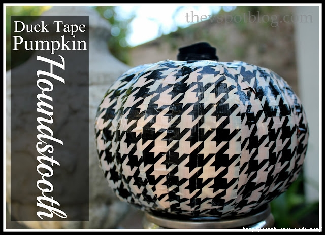 Houndstooth-pumpkin-using-Duck-Tape (640x464, 228Kb)