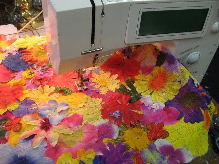 Платье сшила из цветов 128