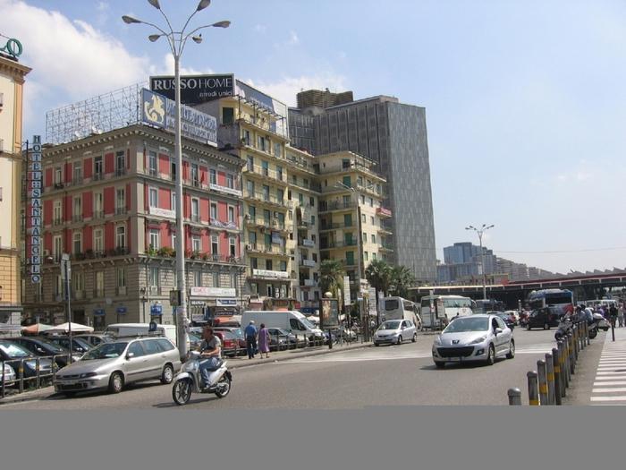 1Неаполь,  площадь Гарибальди, до реконструкции виден дом американского квартала. (700x525, 256Kb)