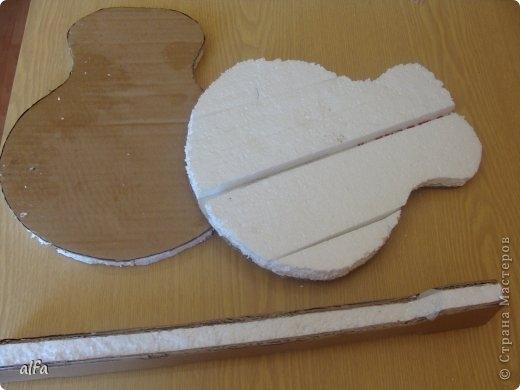 гитара из конфет (3) (520x390, 80Kb)