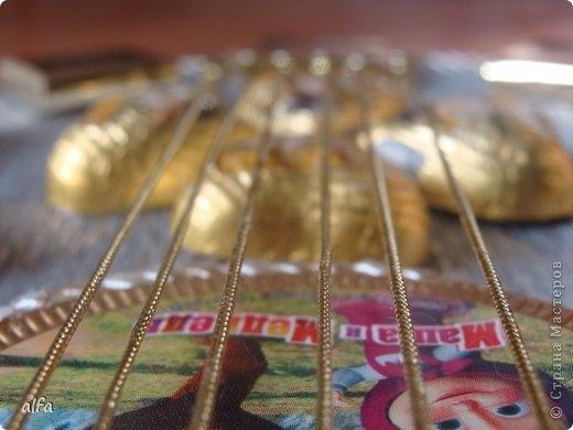 гитара из конфет (12) (520x390, 99Kb)
