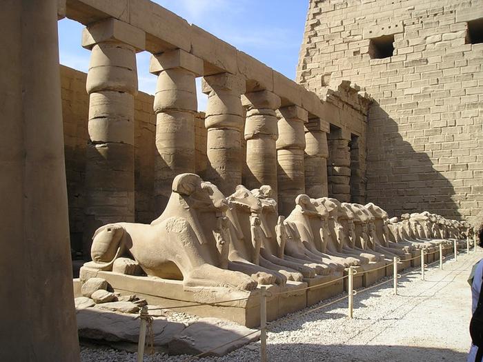 Карнакский храм (700x525, 402Kb)