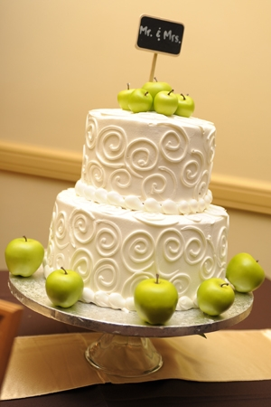 apple-wedding-cake-snappy-shots-by-bev (300x450, 101Kb)