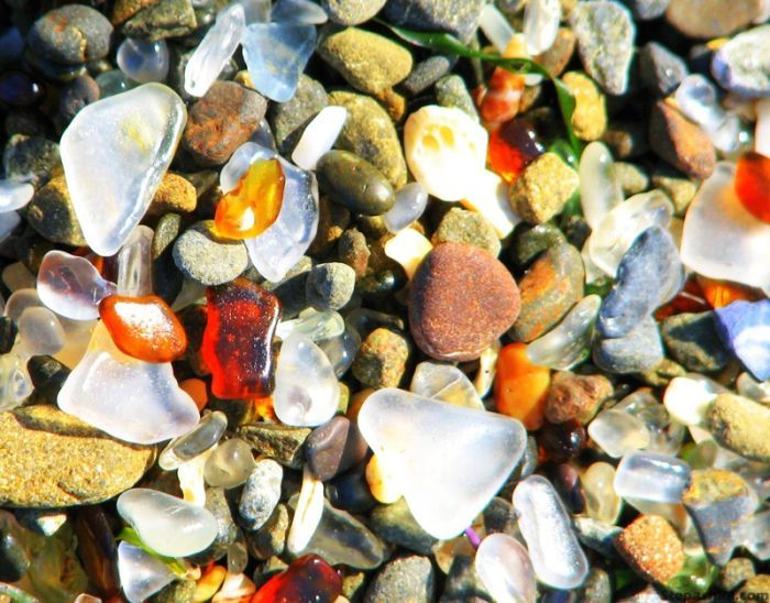 323927500002000glass_beach_07 (700x548, 418Kb)