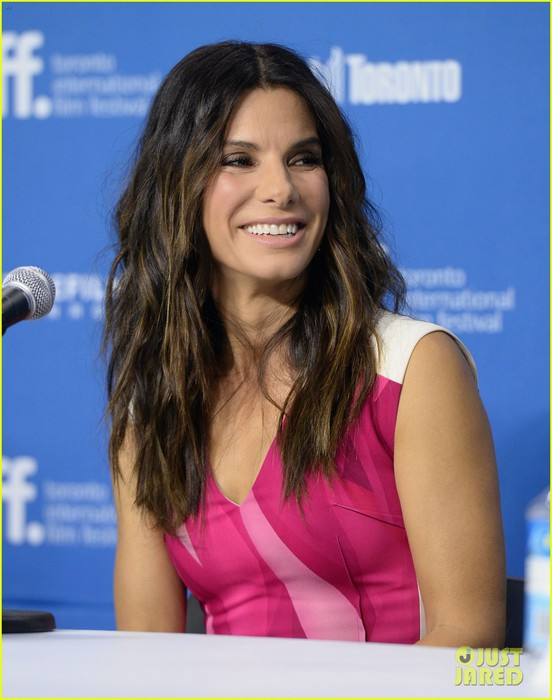 sandra-bullock-gravity-tiff-press-conference-04 (552x700, 79Kb)