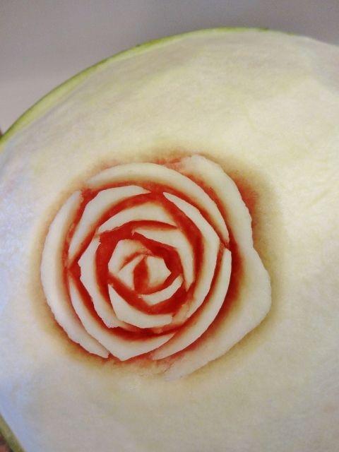 карвинг. розы из арбуза. салат из ананасов (52) (480x640, 157Kb)