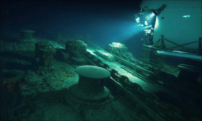 1378304947_undersea_photos_of_the_titanic_wreckage_03151_007 (700x420, 179Kb)