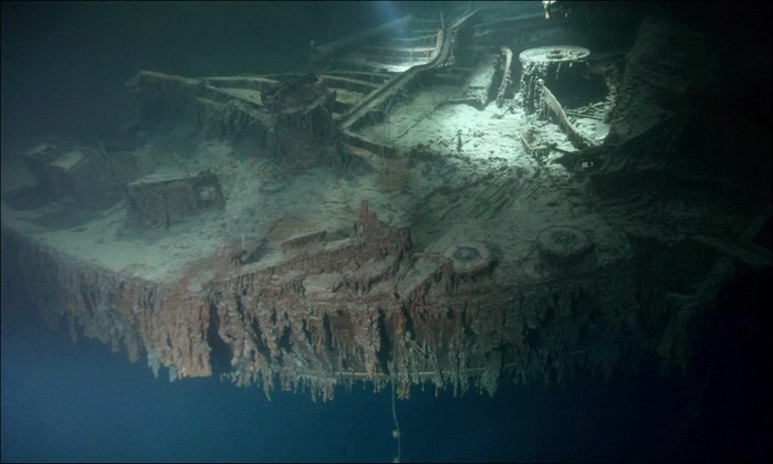 1378305033_undersea_photos_of_the_titanic_wreckage_03151_036 (700x420, 164Kb)