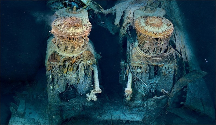 1378305040_undersea_photos_of_the_titanic_wreckage_03151_040 (700x405, 235Kb)