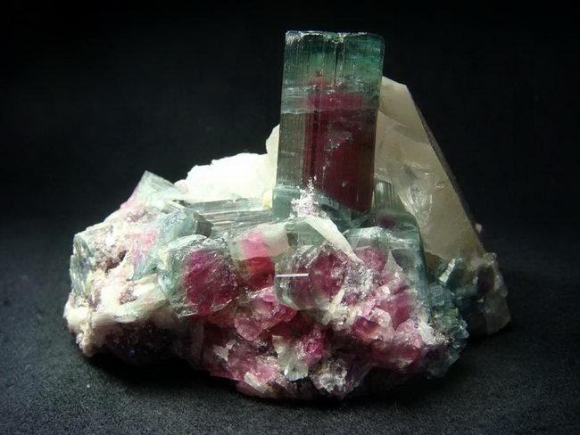 kak-bespalatno-posetit-muzey-mineralogii (650x488, 160Kb)