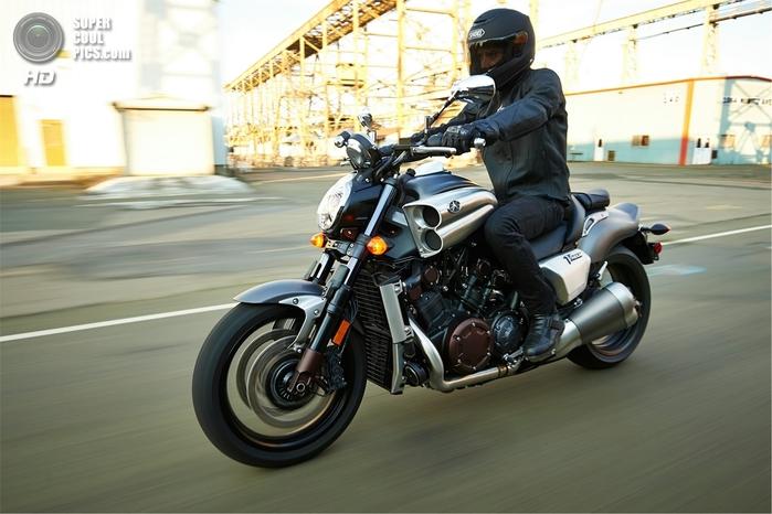 Yamaha VMAX 2014 фото 1 (700x466, 223Kb)