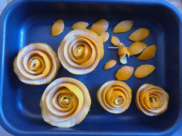 Розочки из апельсиновых корочек. Букет апельсиновых роз для украшения интерьера (13) (700x525, 194Kb)