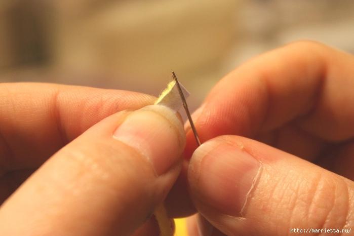 Как легко продеть толстую нить, пряжу, в ушко иголки (3) (700x466, 164Kb)