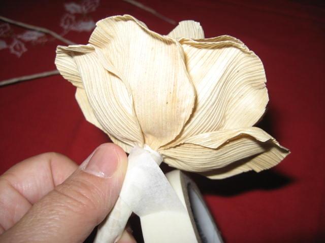 букет цветов из листьев кукурузы - талаша, мастер-класс (16) (640x480, 135Kb)
