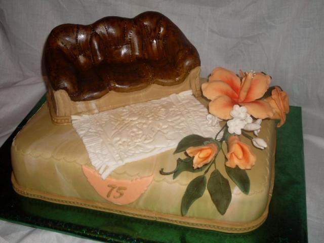 кожаный диван из мастики для торта (1) (640x480, 117Kb)