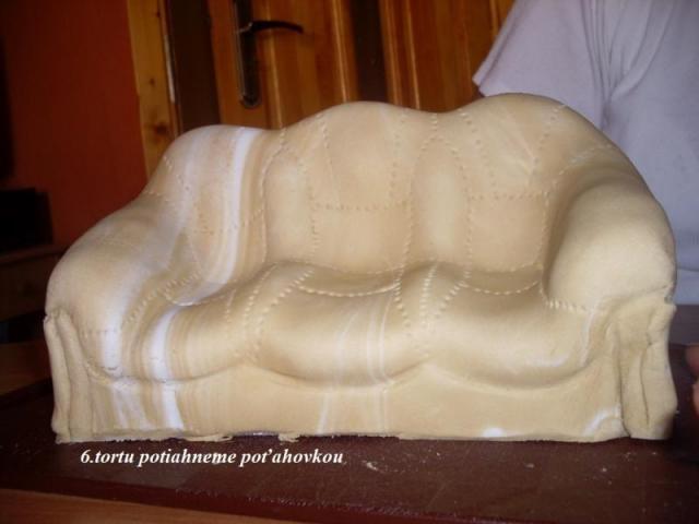 кожаный диван из мастики для торта (8) (640x480, 95Kb)