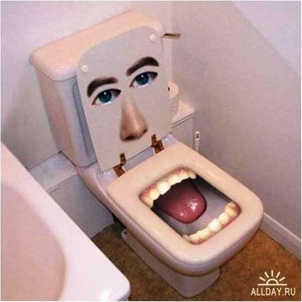 Туалет с зубами (600x600, 145Kb)