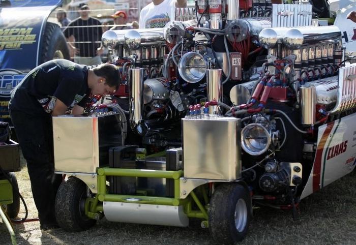 гонки на тракторах фото 6 (700x482, 266Kb)