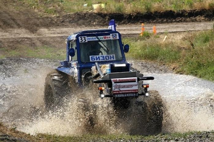 гонки на тракторах россия 8 (700x466, 290Kb)