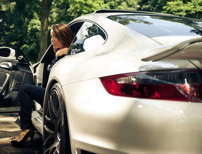 baldej.ru_Красивые девушки и их автомобили.01 (700x534, 264Kb)