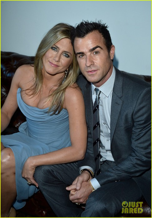 jennifer-aniston-life-of-crime-cocktails-with-justin-theroux-04 (488x700, 83Kb)
