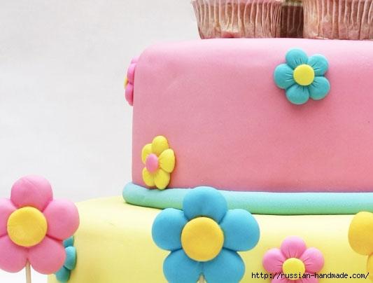 Марципановый торт и цветочные кексы (1) (533x404, 87Kb)