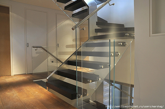 straight_staircase_with_glass_balustrade_1H (700x464, 285Kb)