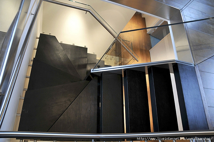 straight_staircase_with_glass_balustrade_3H (700x464, 275Kb)
